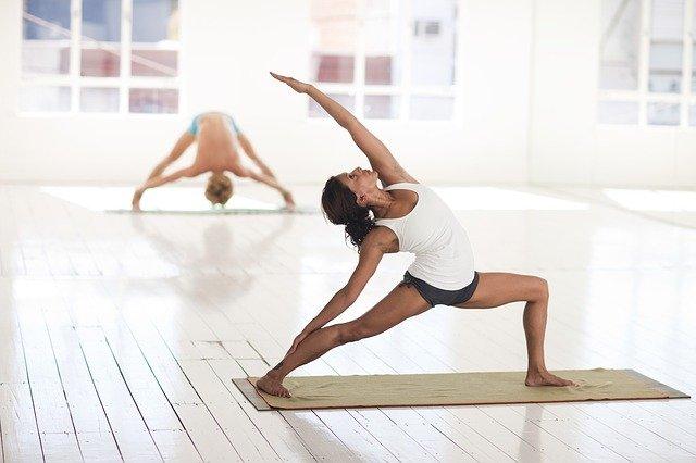Yoga voor senioren – Yoga-activiteiten met een leuk thema voor ouderen!